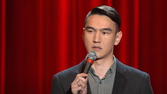 Нурлан Сабуров на сцене