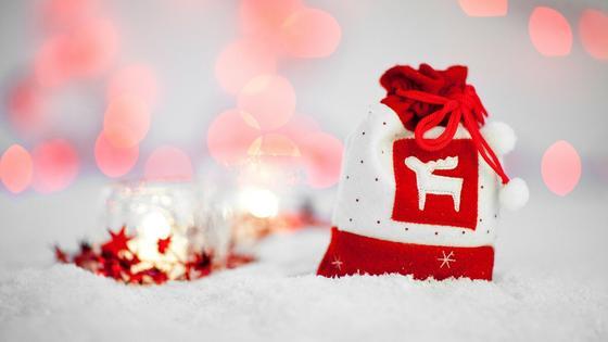 Мешочек с новогодним подарком