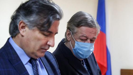 Михаил Ефремов и его адвокат Эльман Пашаев