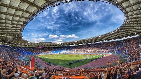 Олимпийский стадион в Риме.