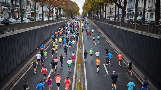 Люди на марафоне