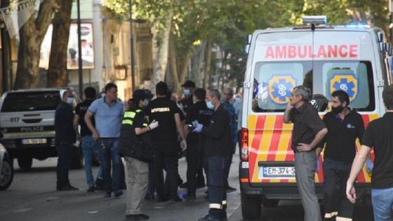 Службы экстренной помощи на месте взрыва в Тбилиси