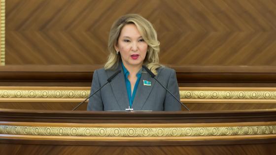 Казахстанский депутат Айгуль Нуркина