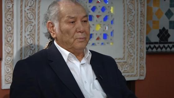 Дулат Исабеков во время интервью