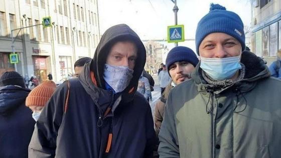 Журналист и блогер Юрий Дудь на митинге