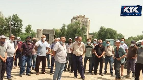 Строители вышли на забастовку