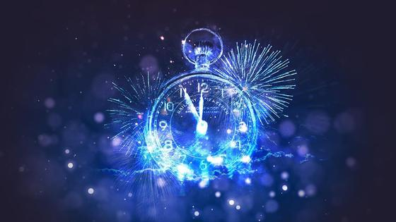 На часах 5 минут до Нового года