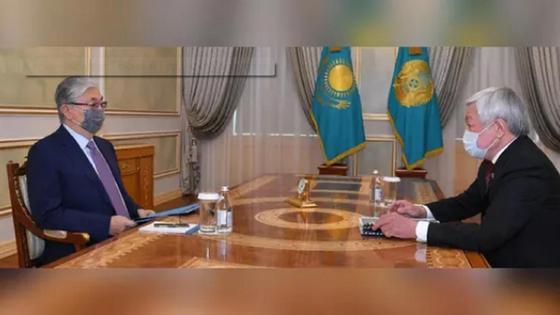 Бердібек Сапарбаев/Қасым-Жомарт Тоқаев1