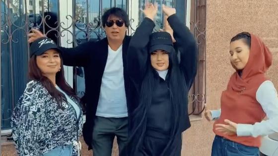 Беркут с тремя актрисами