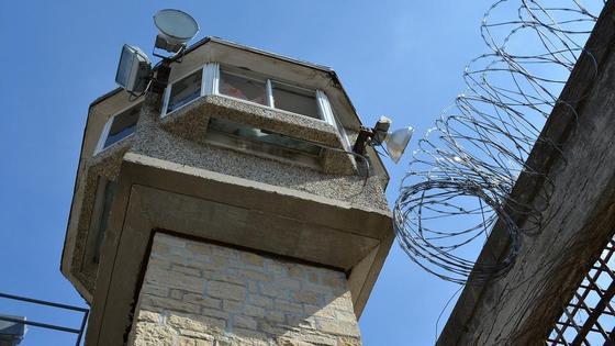 Башня в тюрьме