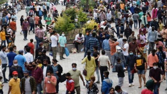 Туристы без масок в Индии