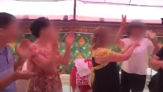 Чиновница празднует свой день рождения в Актау