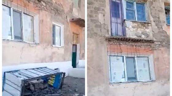 упавший балкон (кадр из видео)