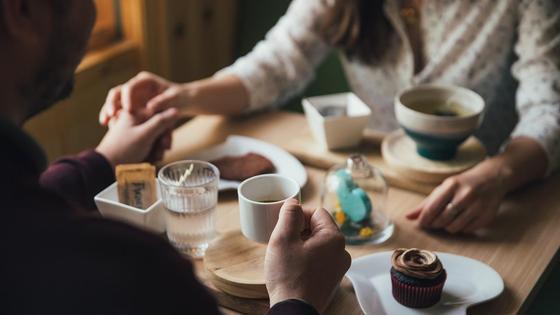 Свидание влюбленных в кафе