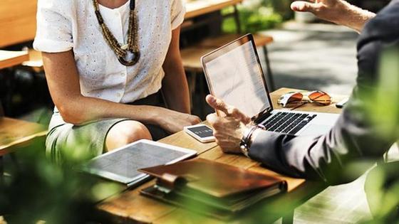 Каким бизнесом заняться женщине?