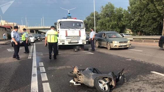 Полиция на месте аварии в Алматы