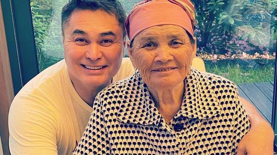 Арман Давлетяров с матерью