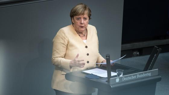 Ангела Меркель в Бундестаге