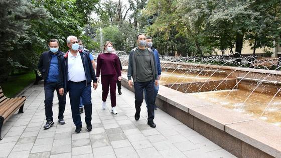 Бакытжан Сагинтаев во время рабочего объезда