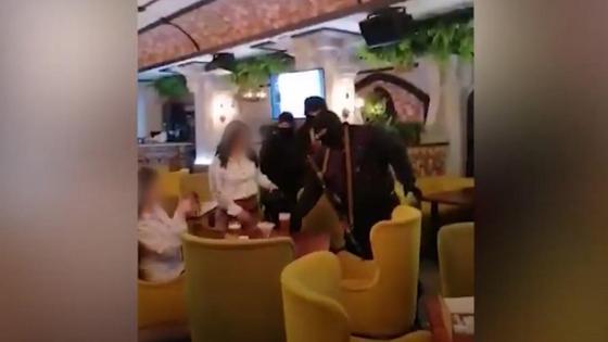 Гости сидели в ресторане в Актобе