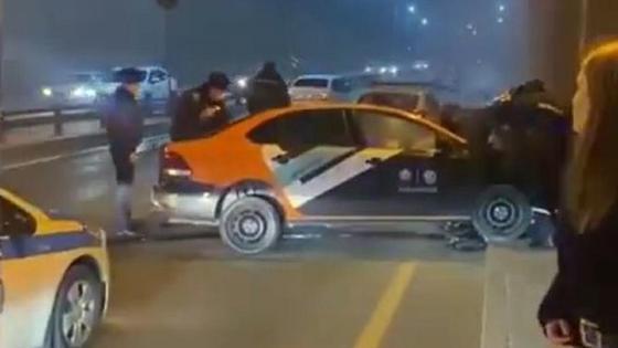 Погоня полицейских за автомобилем в Алматы