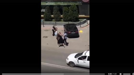 Кадр из видео с избиением