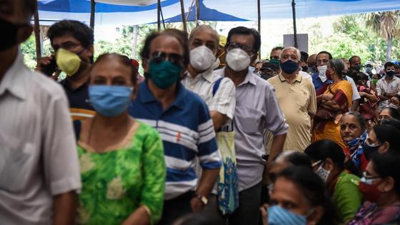 Очередь на вакцинацию в Индии