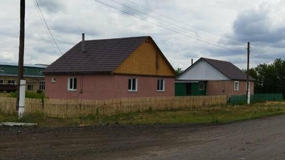 Дом возле дороги