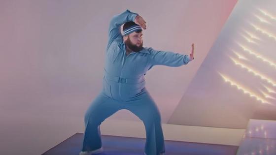 Пухляш танцует