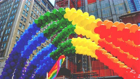 радужные воздушные шары