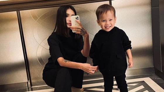 Айжан Байзакова с сыном