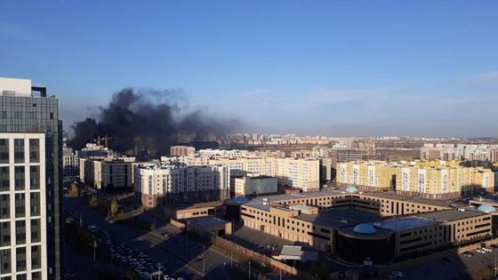 Дым от пожара в Нур-Султане