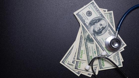 Доллары под стетоскопом