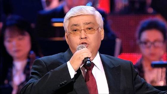 Алибек Днишев