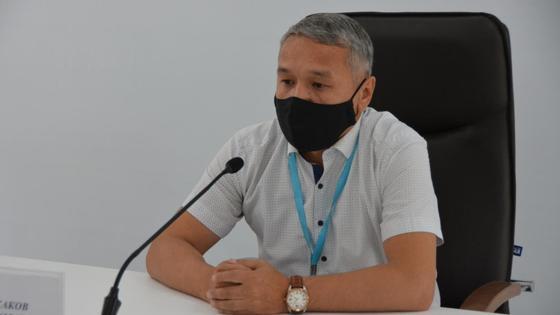 Азамат Искаков