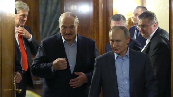 Владимир Путин и Александр Лукашенко на встрече в феврале 2020
