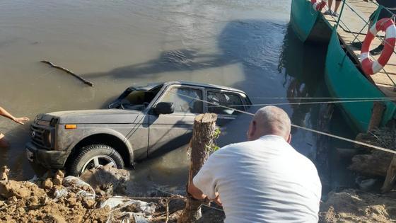 Машина утонула в ЗКО