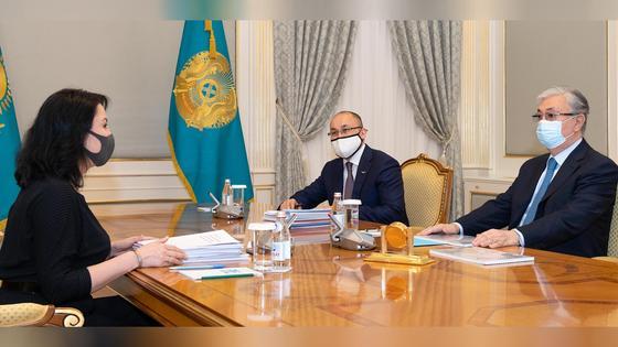 Касым-Жомарт Токаев, Даурен Абаев и Аружан Саин