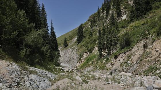 ущелье в горах Алматы