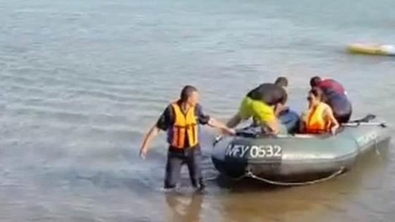 Спасатели вытащили девушку