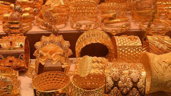 Ювелирные золотые украшения