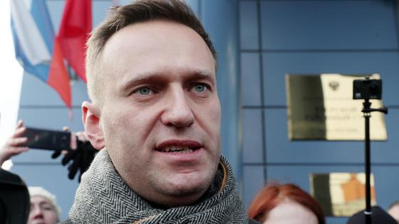 Алексей Навальный в шарфе
