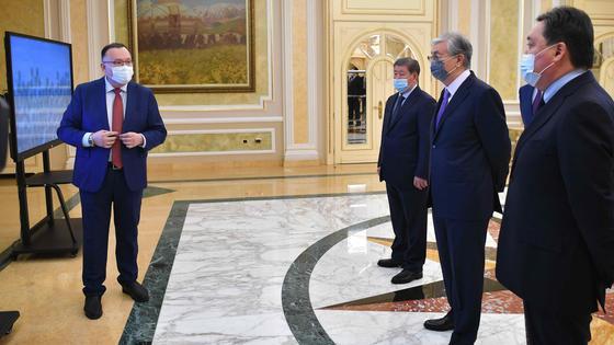 Касым-Жомарт Токаев, Аскар Мамин и Куанышбек Есекеев