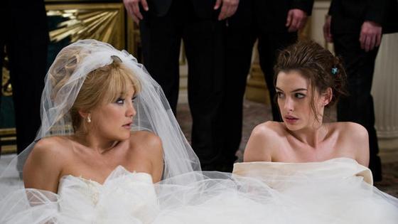 Кадр из фильма «Война невест» (2009)