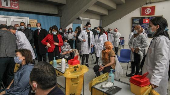 Массовая вакцинация в Тунисе