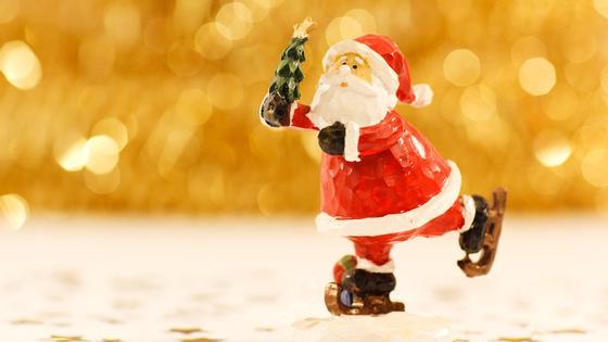 фигурка Деда Мороза на коньках