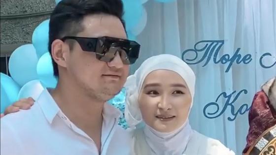 Торегали Тореали с женой