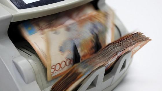 Аппарат считает деньги