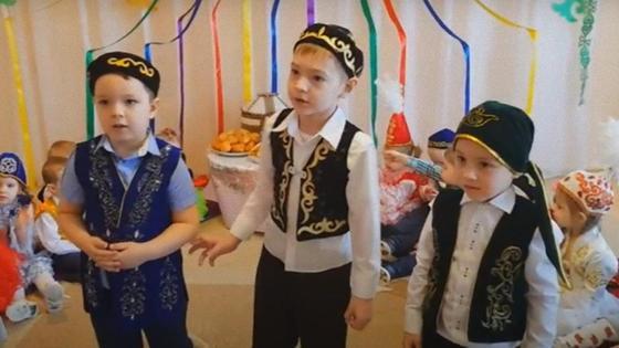 Дети на празднике Наурыз