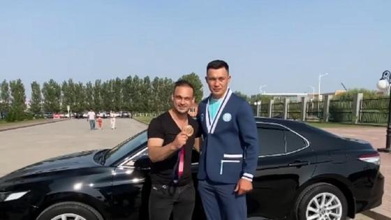 Илья Ильин Қамшыбек